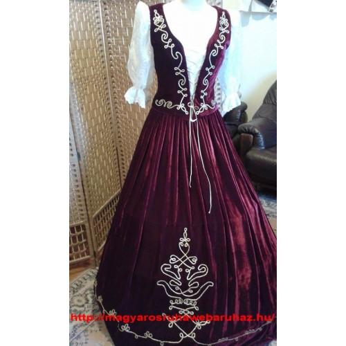 Bordó bársony díszmagyar női ruha 98542d464a